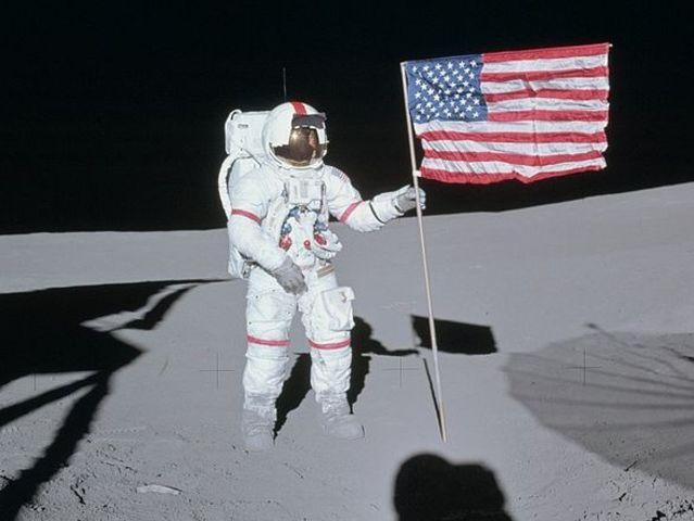 Только гении пройдут этот сложнейший тест! - Кто был первым человеком на Луне?