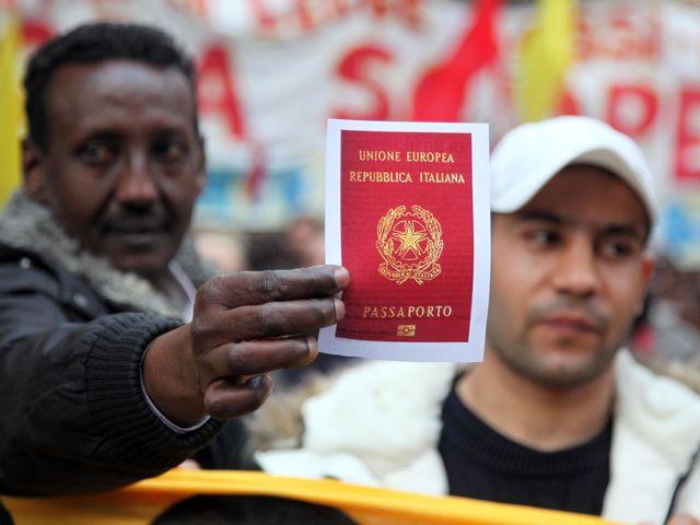 Quanto ne sai sugli stranieri che vivono in italia for Quanti sono i deputati italiani
