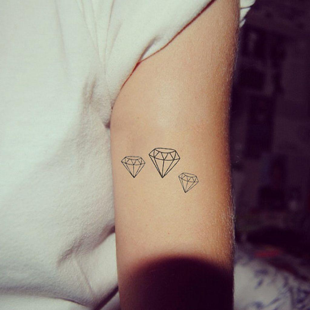 Grunge Hand Nails Ring Tatoos Tumblr Tattoo Ideas T