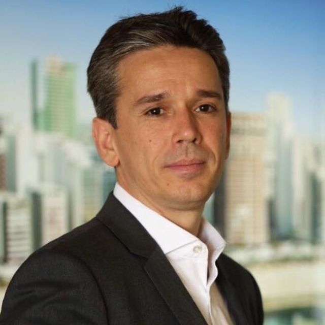 Felipe Carreras (PSB-PE)
