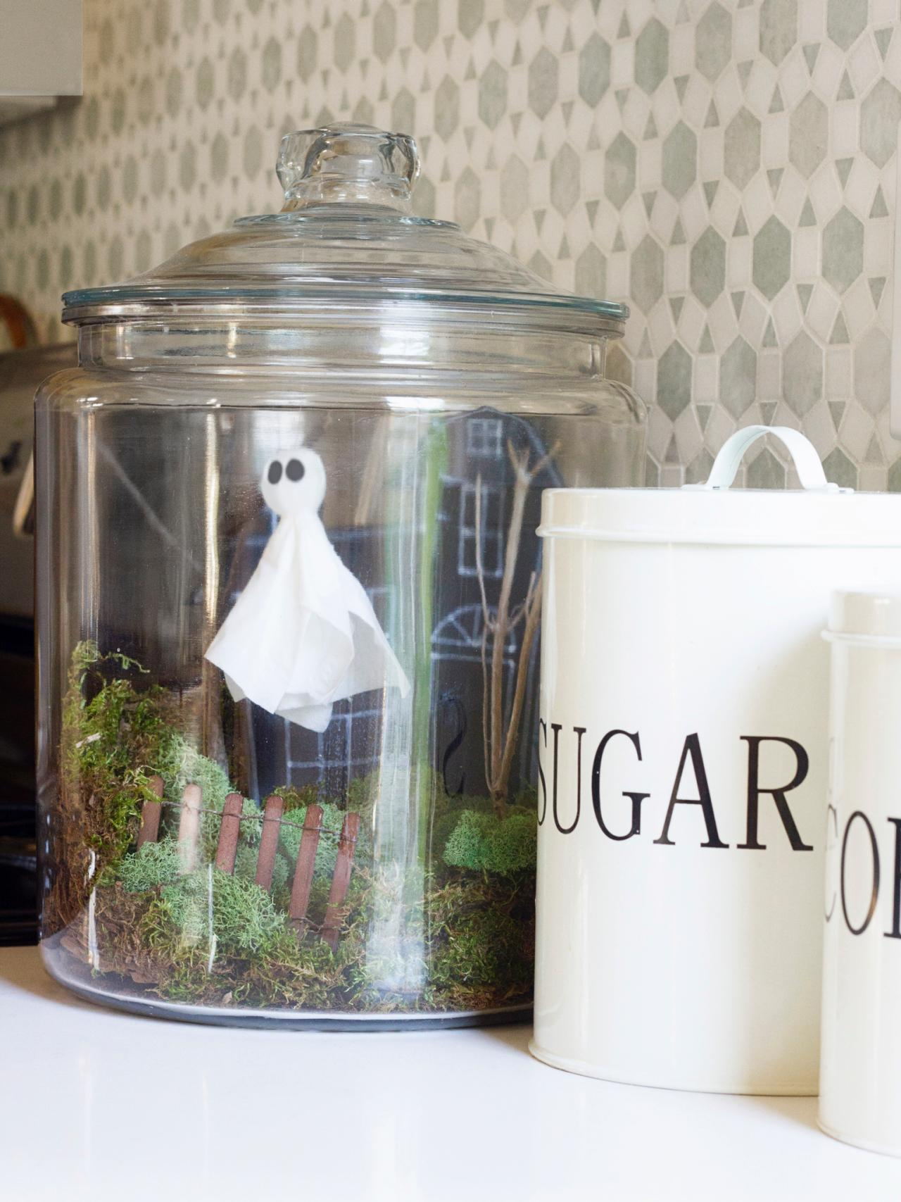 diy halloween decor ideas 16 awesome diy halloween decorations ideas to spook your guests