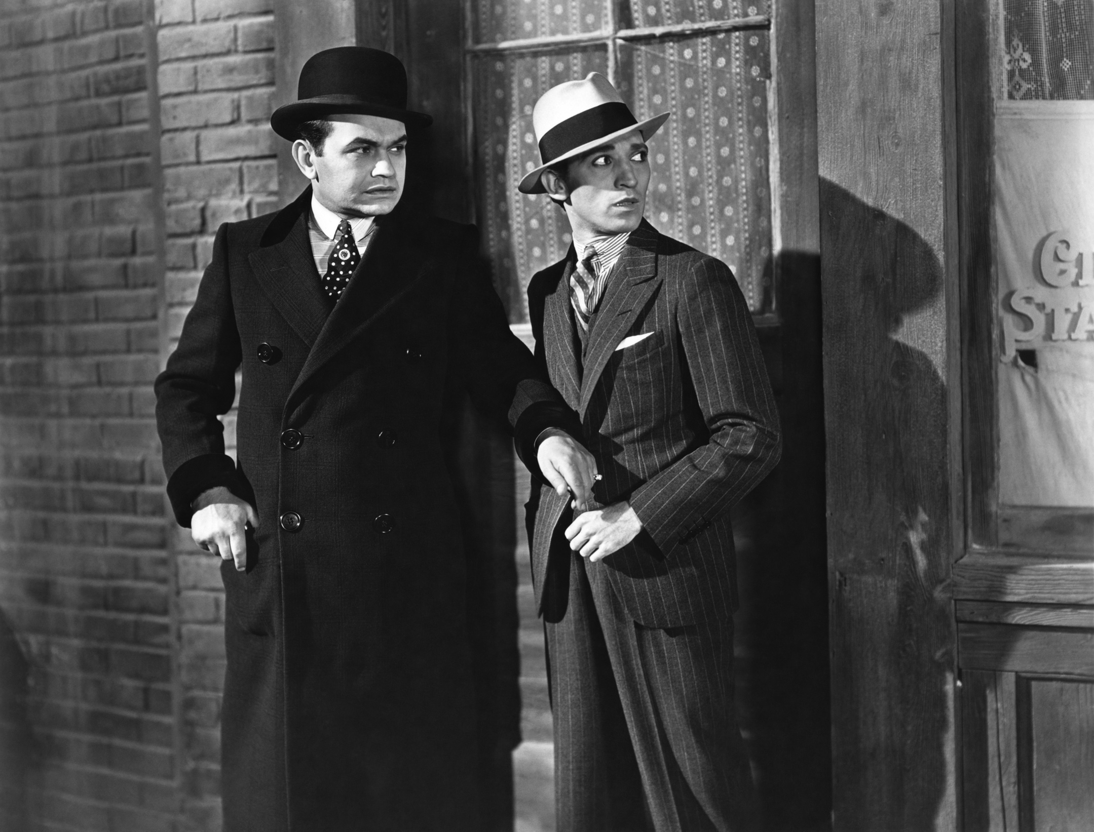films with gangster genres in 1930s in america Conventions of the gangster film genre mervyn leroy's little caesar was released in 1930 and became an immensely popular film which had many imitators.