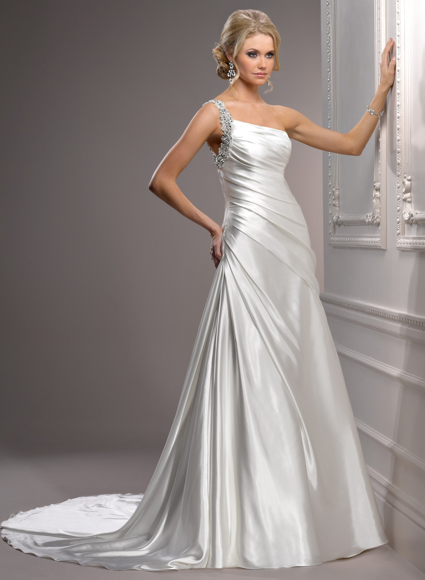 What Kind Of Wedding Dress Should You Wear