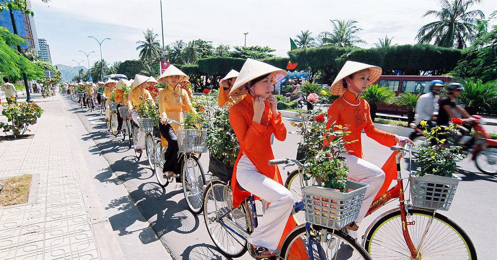 vietnam group tours