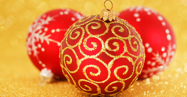 When Should Christmas Decorations Go Up?