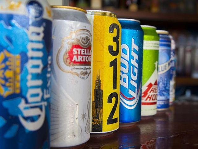 Cerveja na garrafa é mais gostosa que na lata (ou vice versa)