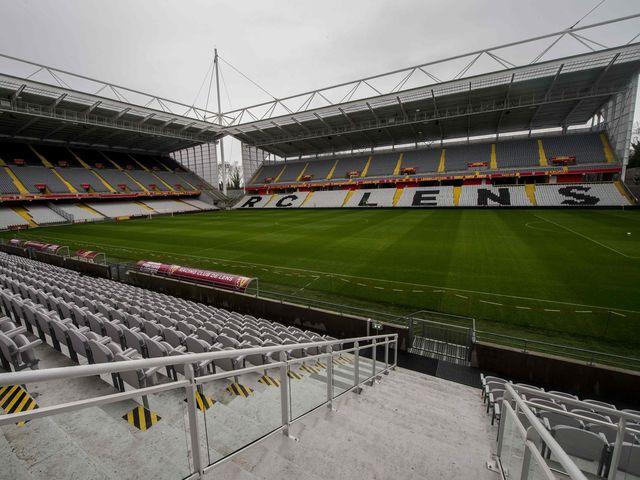 Saurez vous reconna tre les stades de l 39 euro playbuzz for Porte 8 stade rades
