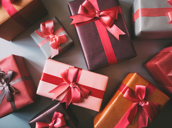 Tell Us What You Think Of These Valentine's Gifts, And We'll Tell You How Are You Going To Spend It This Year!