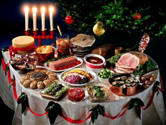 Which countries Christmas table looks like this?