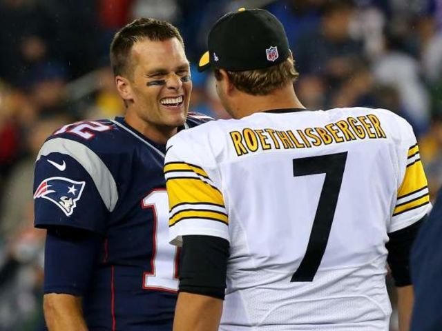 As of 2017, who holds the record for passing yards in a Patriots/Steelers game?