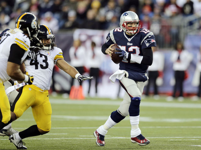 Brady has 483 career touchdown passes. Roethlisberger has 325 career touchdown passes.