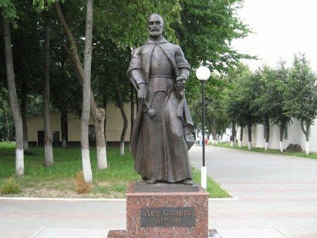 В памятники в витебске цены ягоды заказать памятник цена на могилу йошкар
