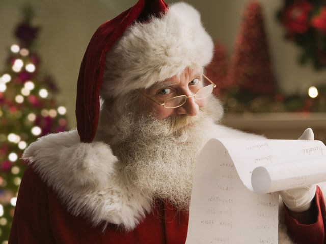 Although the Disney film about a clause in a contract that turns Tim Allen into Santa may tell you otherwise, the correct spelling is Santa Claus!