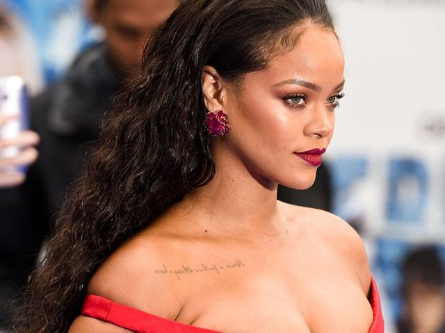 Rihanna is a Pisces! Other Pisces celebrities include Justin Bieber, Daniel Craig, and Eva Mendes!