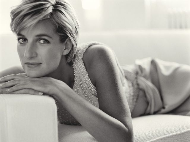 As Princess of Wales, Diana became the world's most photographed woman in history.