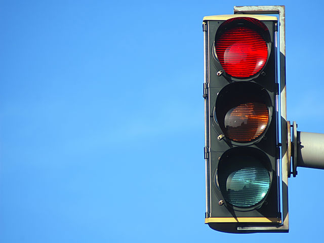 Unlike in the UK, American drivers are entitled to make a right turn on a red light.