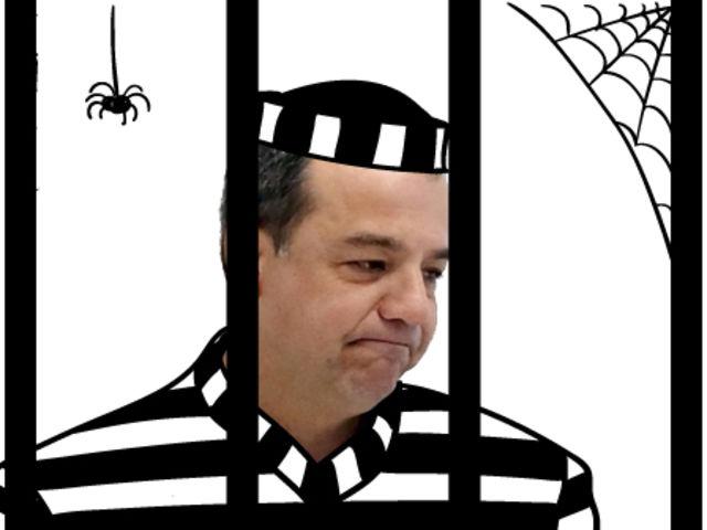 Foi detido preventivamente em 17/11/2016 e já foi condenado a 100 anos de prisão.