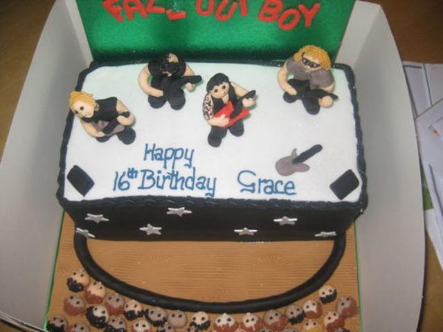 Quiz Which Pop Punk Birthday Cake Should You Eat Popbuzz