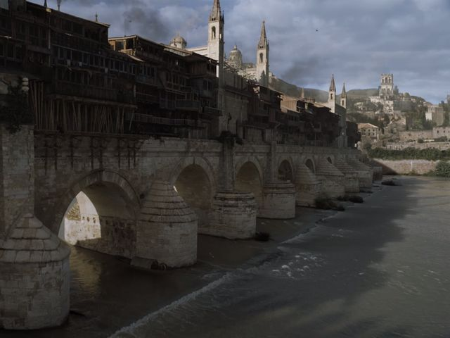 Which of the Free Cities tried to rebuild the Valyrian Empire after the Doom?
