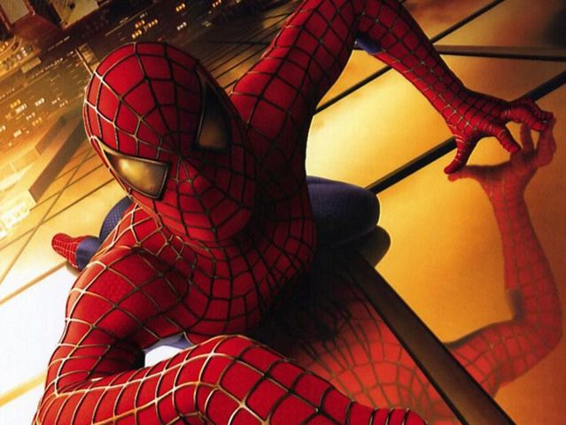¿Qué actor interpretó a Spider-Man en la película estrenada en 2002?