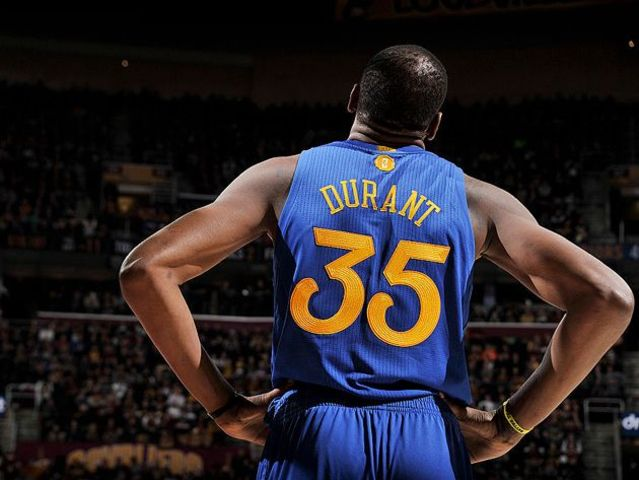 Durant scored 44 points on Christmas Day 2010 as the Oklahoma City Thunder defeated the Denver Nuggets 114-106.
