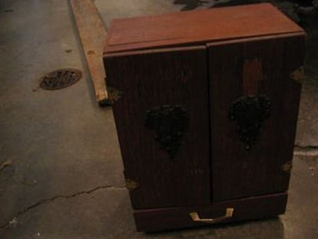 Basically, this Dibbuk Box contains a Jewish demon that will haunt and possess you and cause your mother to have a stroke.