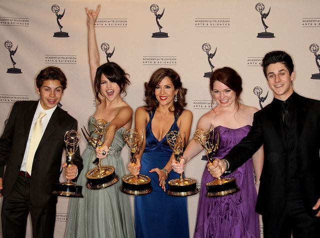 What year did Wizards of Waverly Place end?