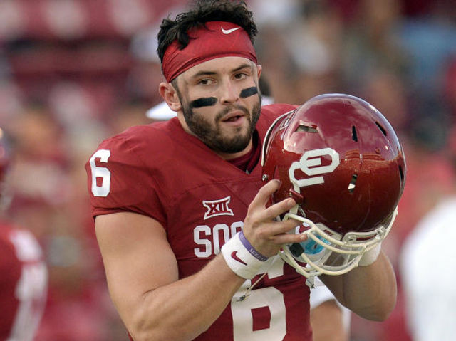 What did Mayfield do in a viral video early in his Oklahoma career?