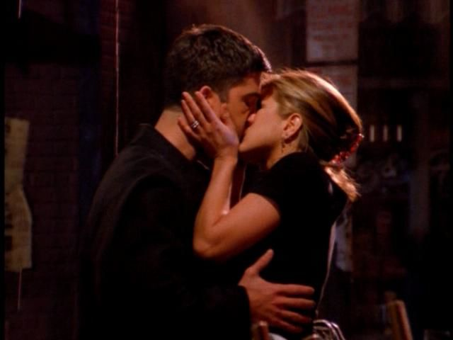 In which episode do Ross and Rachel first kiss?