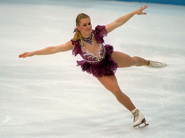 It's Olympic figure skater Tonya Harding!