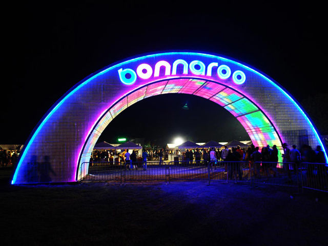 The Bonnaroo Music Festival made its debut in Manchester, Tennessee.