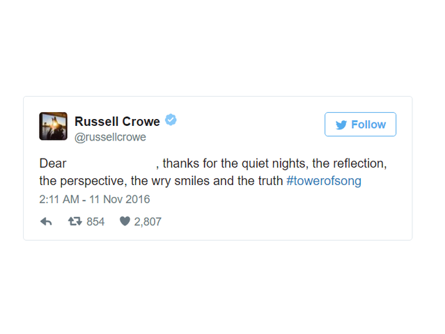 Who is Russell Crowe thanking?