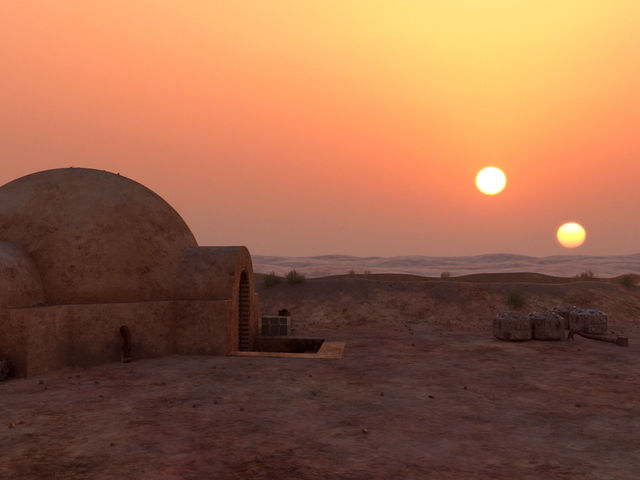 "In ""A New Hope"", who does Luke Skywalker hope to find in the desert?"