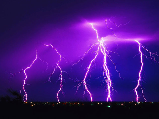 How many times a day does lightning strike the Earth?
