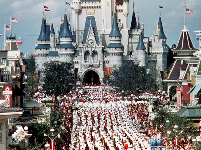 It only cost an adult $3.50 to enter the Magic Kingdom during its grand opening in 1971!