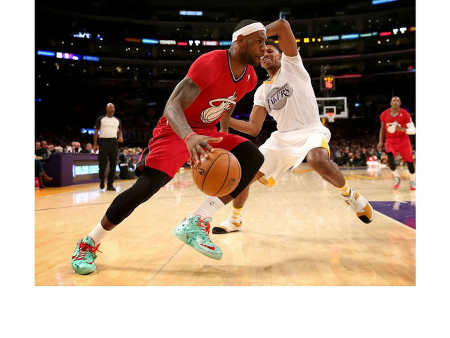 LeBron regularly chose the Zoom Soldier 7 over both the standard and Elite editions of the LeBron 11.