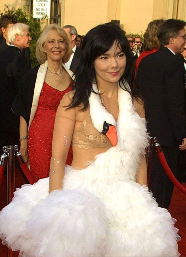 Los Vestidos Más Feos En La Historia De Los Premios Oscar