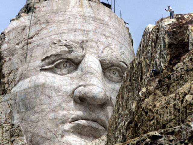 Monster Statues Chinas Gigantic Tribute To God Of War And Other - China unveils colossal 1320 ton god of war statue