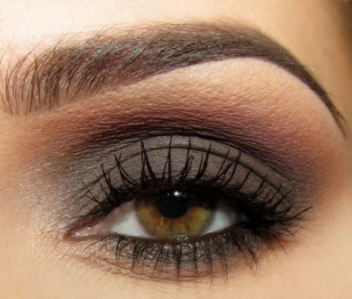 Natural Makeup Looks For Hazel Eyes