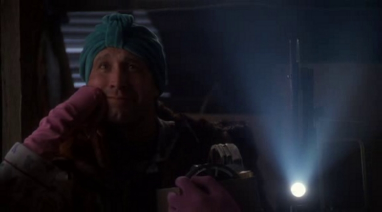 Christmas Vacation Attic Gif.10 Best Moments From Christmas Vacation Playbuzz