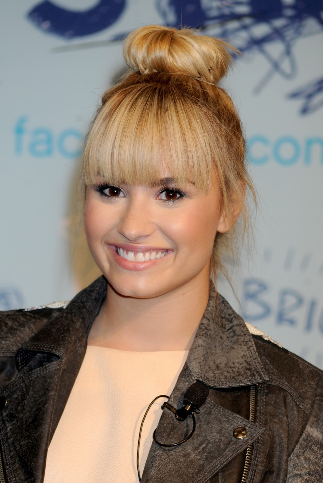 Which Demi Lovatos Hair Should Be Your Hair Playbuzz